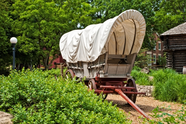 Naper-Settlement-Covered-Wagon-FB-